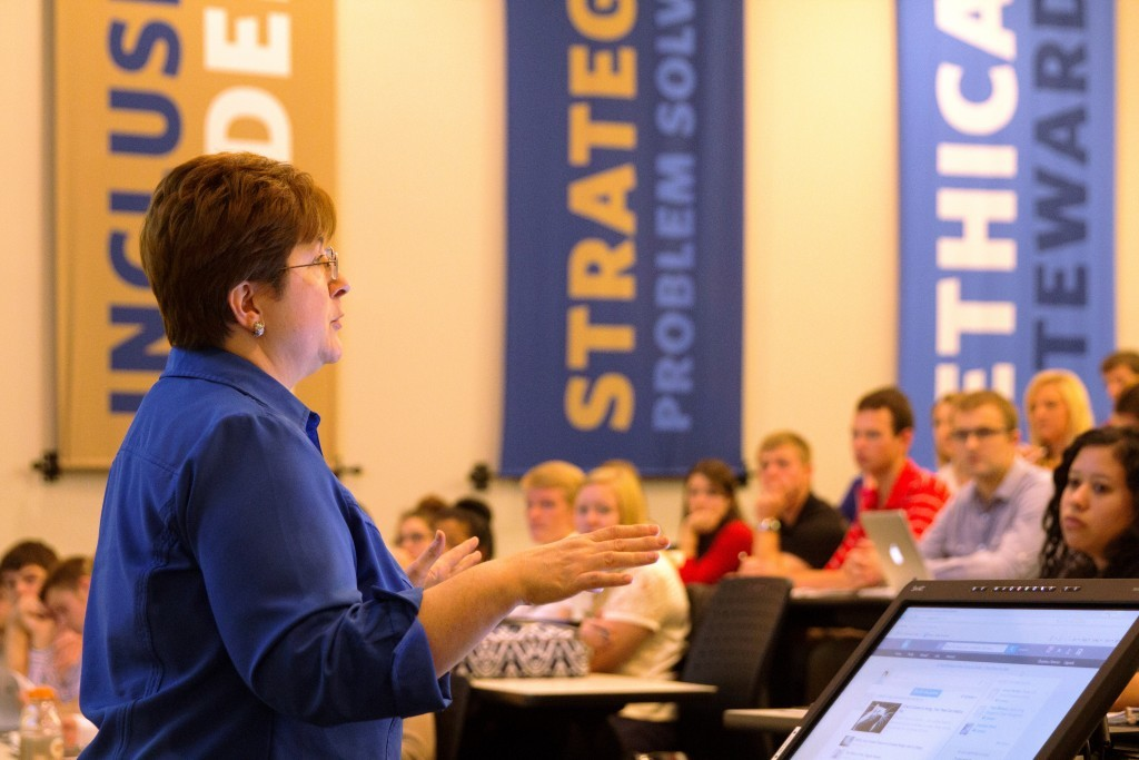 SPEAKING -Jill-Johnson-speaking to college students